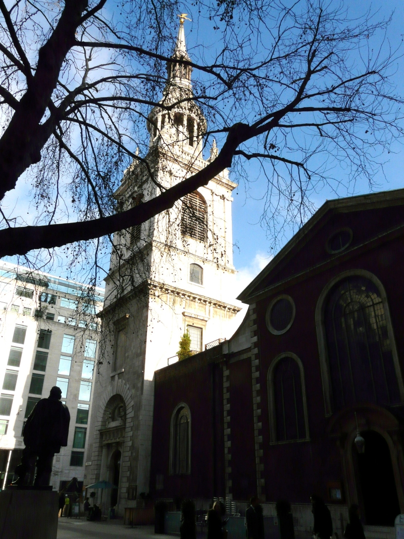 an overview of the st mary le bow church in the city of london Historian david ross visits the historic church of st mary-le-bow, london, with a  history of the church,  overview nearby attractions accommodation more  photos  a true cockney must be born within the sound of the bells of st mary-le- bow  london city of london information centre st paul's churchyard london.